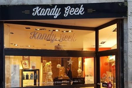 Boutique de vape spécialisée KANDY GEEK située à LA ROCHELLE